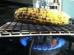 Sử dụng bếp gas nướng đồ ăn và những nguy hiểm rình rập